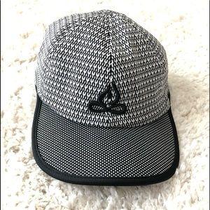 Apana Women's Black and White Baseball Hat